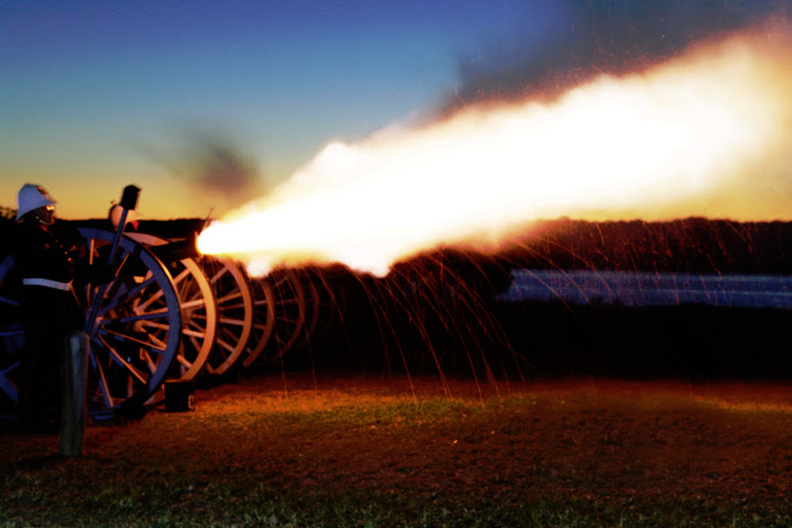 Night firing field gun